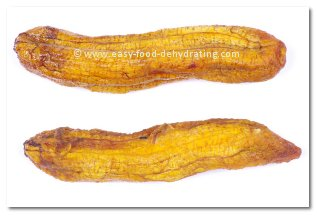 Dehydrated bananas, sliced lengthwise