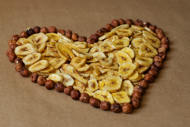 dried bananas in a heart shape