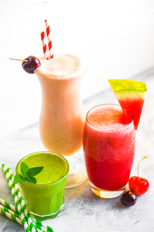 berry smoothie cocktails
